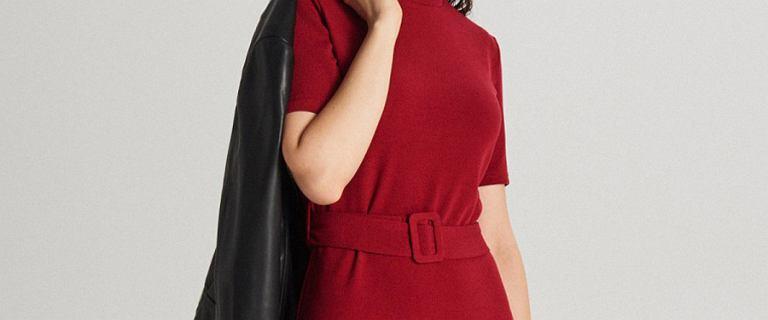 Dopasowane sukienki do pracy i na randkę. 24 modele, które pięknie podkreślą figurę
