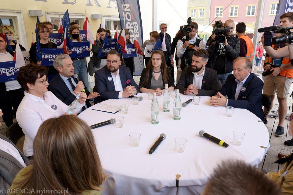 Zdjęcie numer 1 w galerii - Wybory 2020. Robert Biedroń w Olsztynie:
