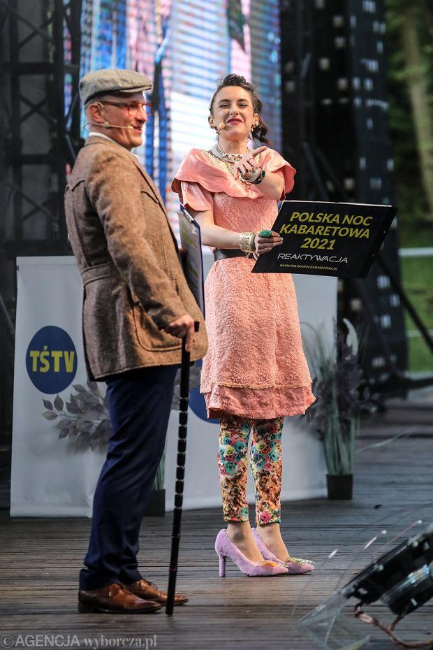 Zdjęcie numer 19 w galerii - Noc kabaretowa na Kadzielni.  Publiczność nie zawiodła, artyści też nie [ZDJĘCIA]