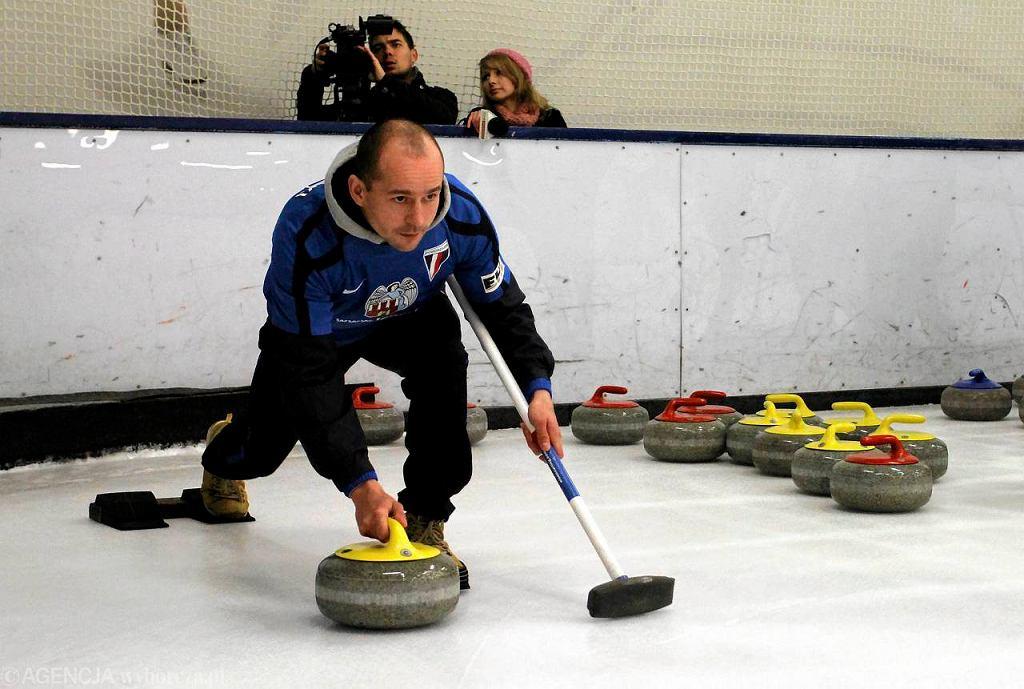 Zawody w curlingu