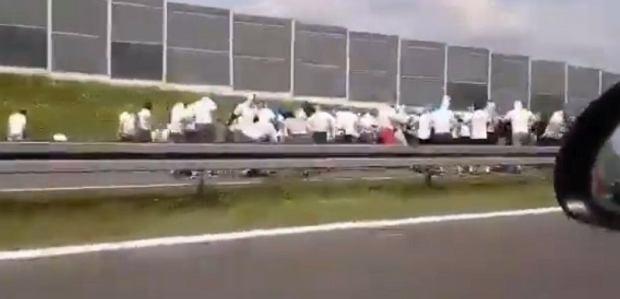 """Wielka ustawka kiboli na autostradzie A4. """"Zadziałali w nietypowy sposób"""""""