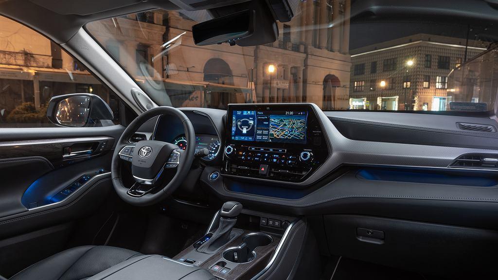 Toyota Highlander - przestronny i niskoemisyjny SUV