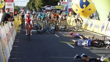 Wypadek na mecie katowickiego etapu Tour De Pologne 2020