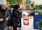 Wybory parlamentarne 2019. Do lokalu wyborczego z psem, ale selfie raczej nie róbcie