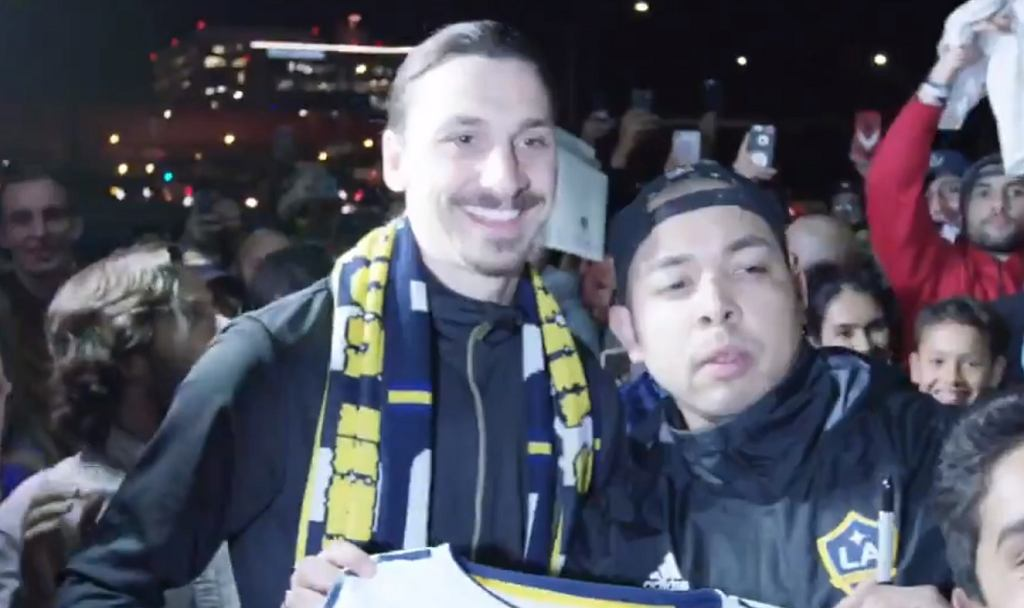 Zlatan Ibrahimovic przywitany w Los Angeles