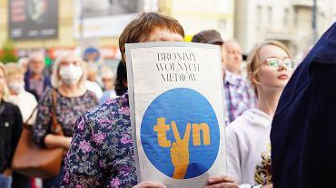 Protest przeciwko 'lex TVN' w Olsztynie