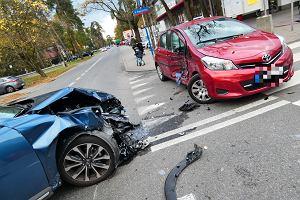 Kierowcy z dużych miast mają gorzej. W Warszawie najtańsza polisa OC kosztuje 841 zł, w Opolu - 651 zł