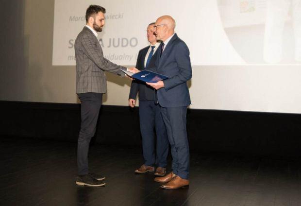 Zdjęcie numer 3 w galerii - Pierwsza Gala Sportu Uniwersyteckiego w Toruniu. Zawodnicy z UMK nagrodzeni