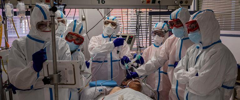 Ekspert: Pandemia może zacząć wygasać dopiero w maju lub czerwcu
