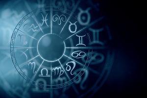 Horoskop dzienny na poniedziałek 15 kwietnia 2019 roku - Ryby mogą dzisiaj pchnąć swoją karierę do przodu, Lwy pokażą pazury...