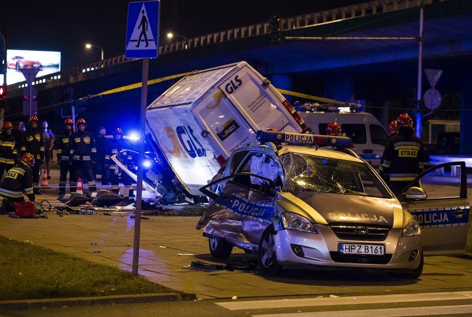 Wypadek radiowozu z kolumny eskortującej sekretarza NATO