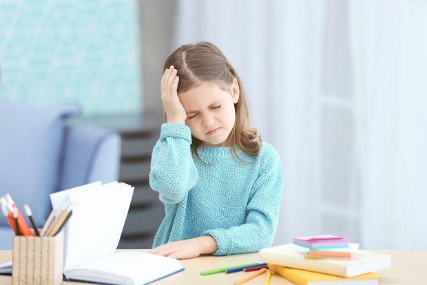 Bóle głowy u dzieci - przyczyny i konsekwencje. Nie lekceważ zwłaszcza ważnych objawów towarzyszących