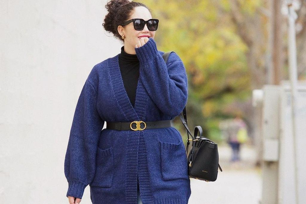 Swetry plus size z wyprzedaży