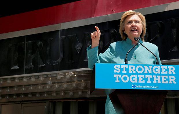 Clinton: Kasyna Trumpa to przekręt