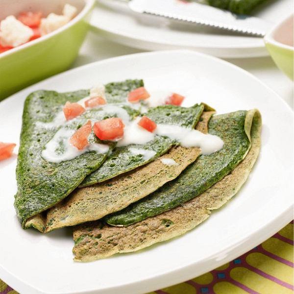 Zielone naleśniki ze szpinakiem - idealne na leniwe  śniadanie