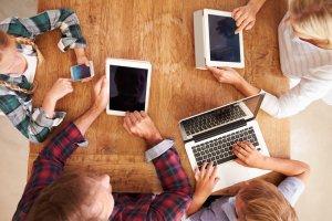 10 najgorszych błędów, jakie popełniają rodzice w internecie