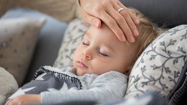 Gorączka u dziecka to coś, co zawsze niepokoi rodziców
