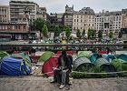 Paryż do nieletnich imigrantów: Nie jesteście dziećmi, radźcie sobie sami