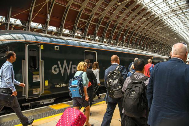 Masz 18 lat? Przez miesiąc za darmo możesz jeździć pociągami po Europie. Ale są warunki
