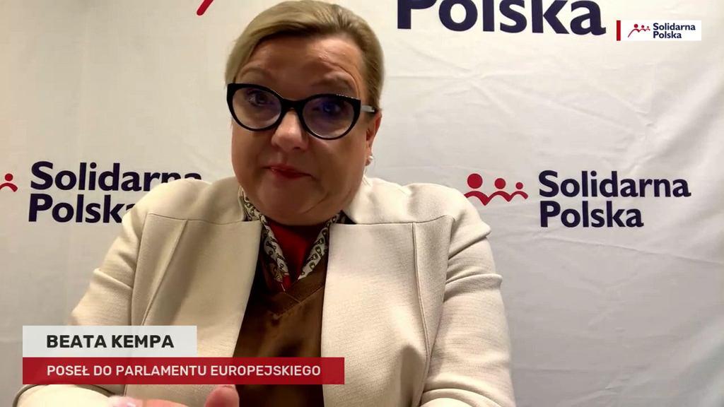 Beata Kempa podczas sesji Q&A na Facebooku o udziale kobiet w polityce: - Warunek jest jeden, mąż.