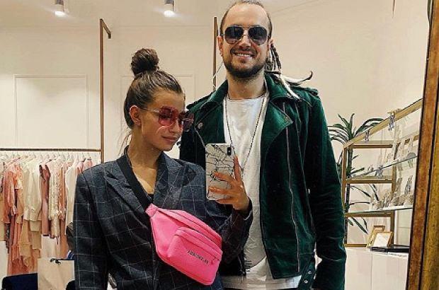 Julia Wieniawa pozostaje pod wrażeniem swojego nowego chłopaka. W wywiadzie zdradziła, że ma on do zaoferowania jeszcze więcej niż sądzimy. Jego włosy skrywają tajemnicę.