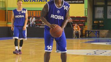 Gary Bell, był najlepiej punktującym koszykarzem Rosy w Toruniu