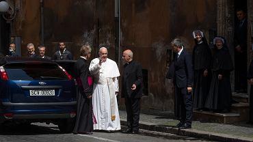 Papież Franciszek w Niedzielę Miłosierdzia Bożego odprawił mszę w kościele Santo Spirito in Sassia niepodal Watykanu