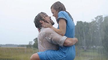 """Rachel McAdams i Ryan Gosling w filmie """"Notatnik"""""""
