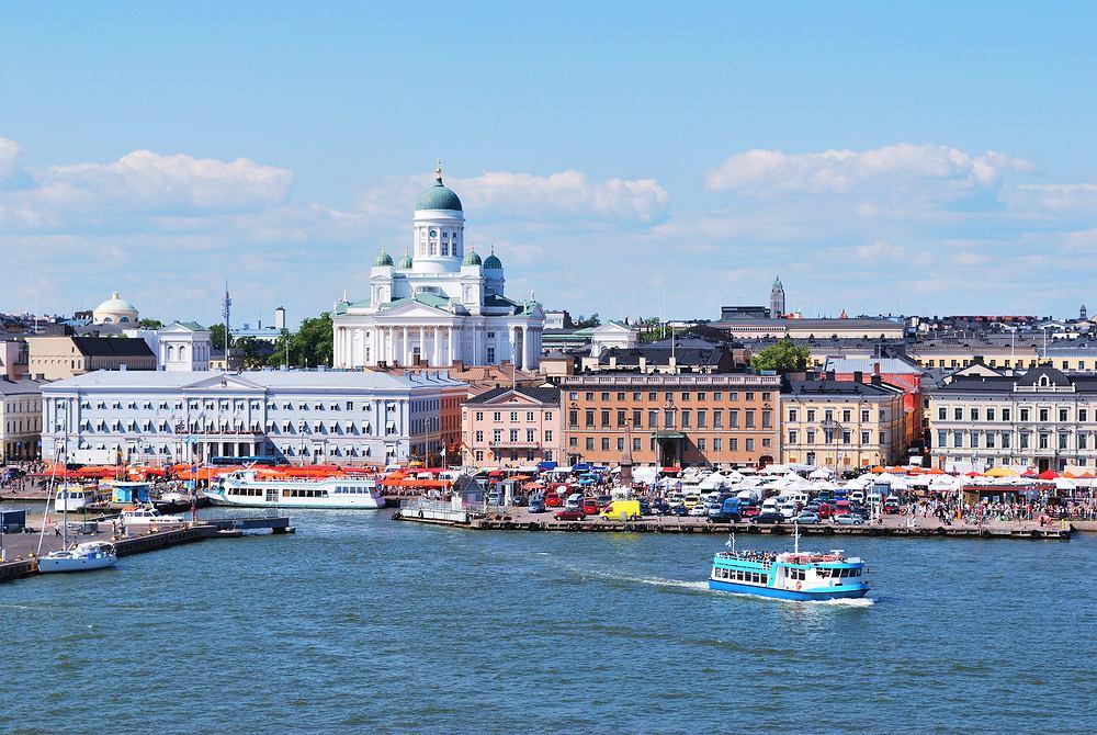 Finlandia Helsinki - serce miasta z Kauppatori w tle