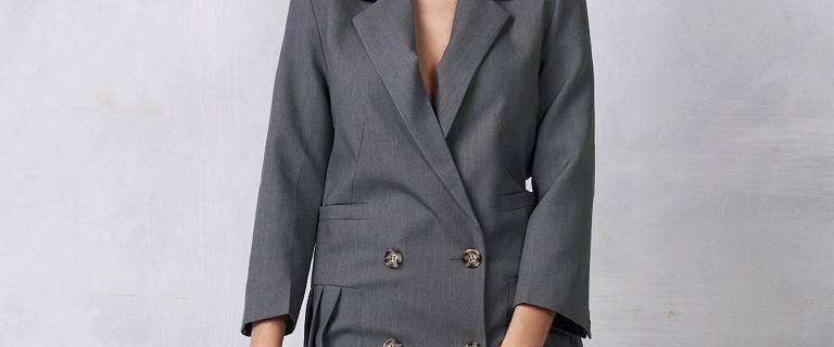 Żakietowa sukienka - jak ją nosić? Modna oraz niezwykle stylowa propozycja do pracy i nie tylko