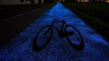 Świecąca w ciemności ścieżka rowerowa pod Lidzbarkiem Warmińskim
