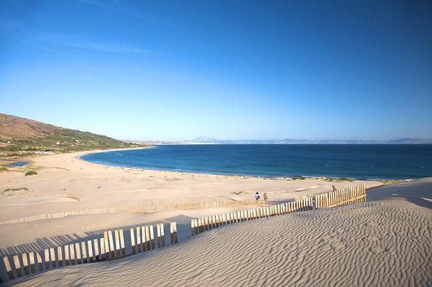 Hiszpania wakacje. Plaże Hiszpanii: Valdevaqueros/fot. shutterstock