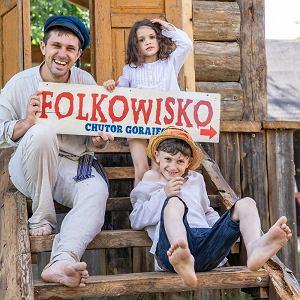 Marcin Piotrowski z dziećmi