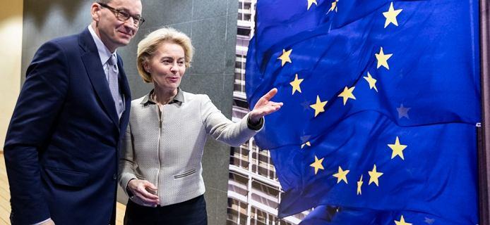 Komisja Europejska obniża prognozę dla Polski. Spadek PKB głębszy