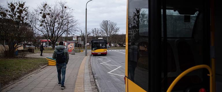 Wypadek autobusu na Bielanach. TVP Info: Są zarzuty dla kierowcy