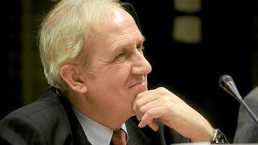 Prof. Andrzej Friszke jest historykiem, zajmuje się m.in. działalnością opozycyjną, w tym KOR