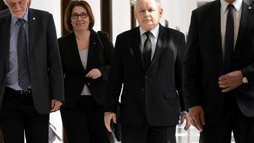 Prezes Kaczyński w drodze na spotkanie liderów partyjnych