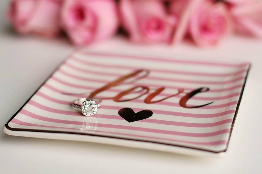 Jaki pierścionek zaręczynowy wybrać dla ukochanej?