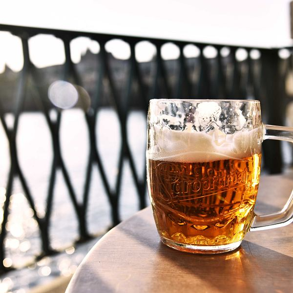 Piwo idealne na lato. Przewodnik po piwach na upały