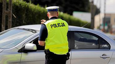 Policyjne statystyki pokazują, że coraz więcej Polaków prowadzi samochód pod wpływem narkotyków