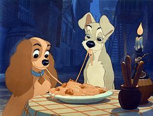 Studio Disney udostępniło oficjalny zwiastun remake'u z 1955 roku.