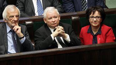 Ryszard Terlecki, Jarosław Kaczyński i Elżbieta Witek podczas audytu rządu PO-PSL. 11.05.2016