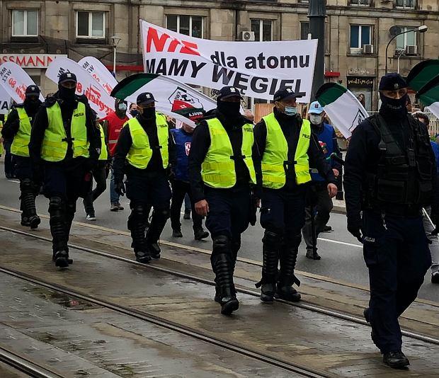 Związkowcy protestujący w Warszawie