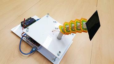 Prototyp urządzenia do sterowania panelami słonecznymi