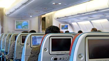 Firma Aviointeriors zaprojektowała fotele samolotowe, w których pasażer bardziej stoi i niż leży