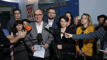 Włodzimierz Czarzasty, Marcin Kulasek i Anna Maria Żukowska podczas konferencji prasowej po posiedzeniu Rady Krajowej Sojuszu Lewicy Demokratycznej, 9 listopada 2019.