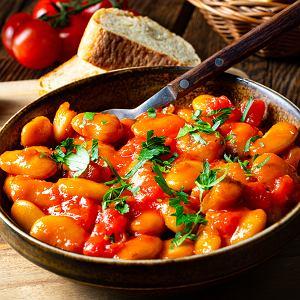 Potrawy z fasolą są nie tylko smaczne, ale też sycące, dlatego idealnie sprawdzają się jako dania obiadowe