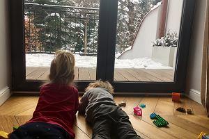 Zaklęty krąg kaszlu, zespół chorego budynku - co rodzice małych dzieci muszą wiedzieć o powietrzu, którym oddychamy [EKSPERT RADZI]