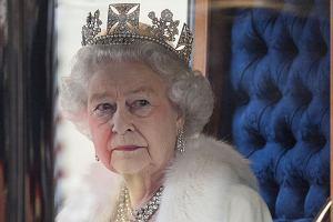 """""""The Crown"""". W pałacu pojawi się intruz. Włamywacz Fagan wypił wino i podjadł ciasteczka. Jak naprawdę wyglądało jego włamanie z 1982 roku?"""