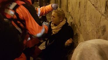 Warszawa. Policja użyła gazu łzawiącego na trasie Łazienkowskiej. Wśród poszkodowanych Barbara Nowacka